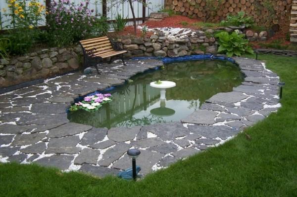 plazoleta piedra lago fuente banco