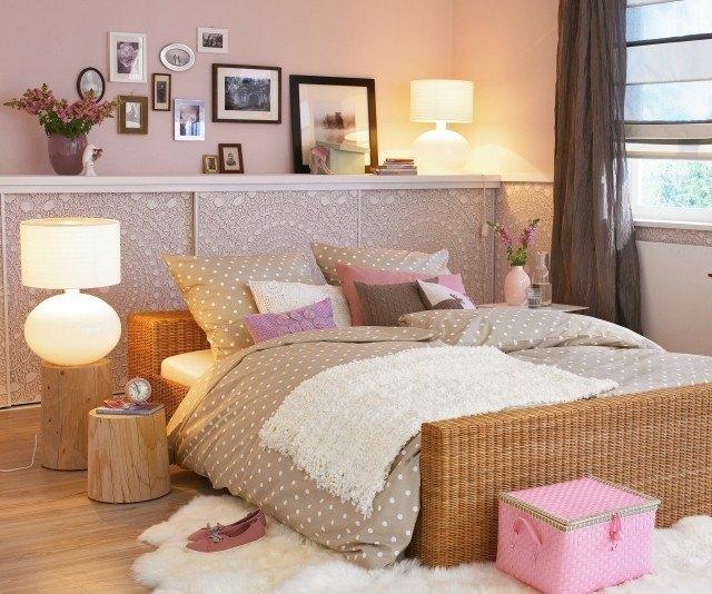 romanticismo decoracion mesillas noche madera rosa beige combinacion estilo