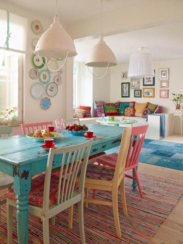 salón mesa celeste desgastada colores