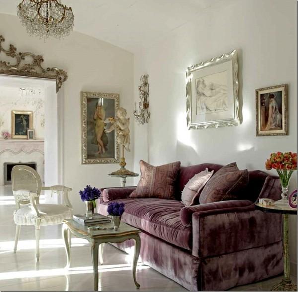 salón sofá desgastado terciopelo morado