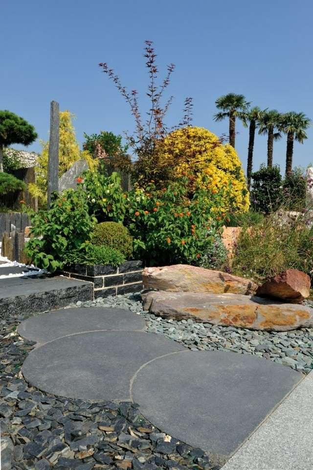 Senderos de piedra para jardines naturales for Decoracion jardin grava