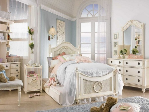 bonita habitación celeste infantil