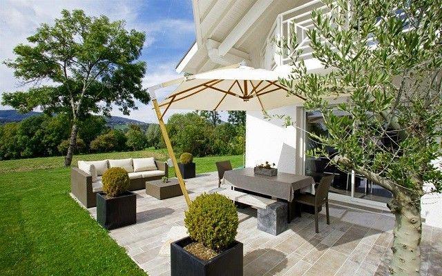 sombrilla plataforma terraza muebles jardin