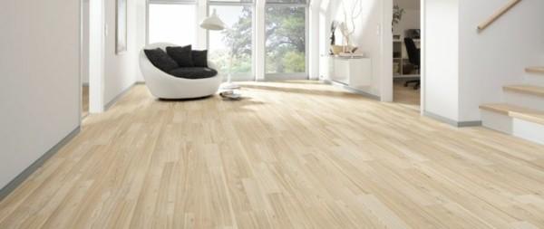 suelos laminados beige claro madera