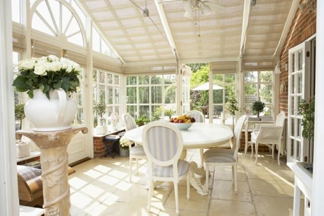 terraza acristalada beige luz solar
