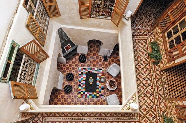 terraza elegante decoracion marroqui tejas