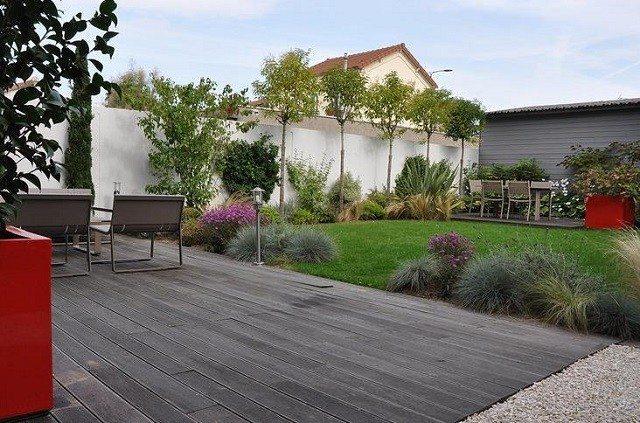 terraza madera patio diseño jardin plantas