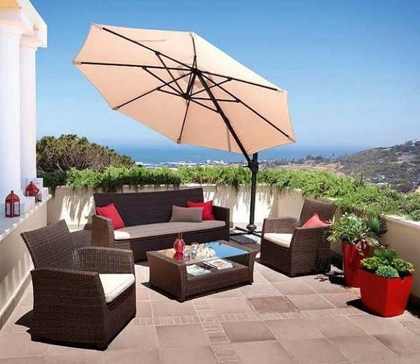 terraza mobiliario moderno sombrilla macetas flores