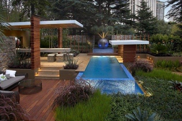 terraza piscina moderna plantas flores