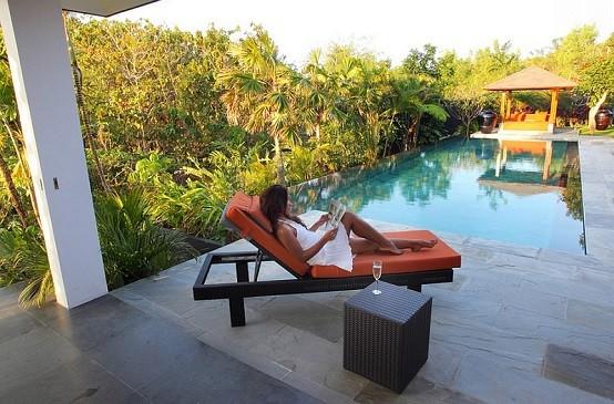 tumbonas acolchonada playa piscina madera cojines