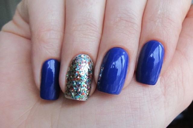 uñas azules una color distinto moderno preciosas
