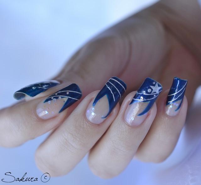 uñas decoradas azul oscuro idea moderno interesante