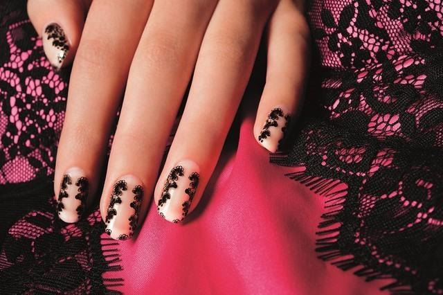 uñas decoradas motivos tela base bonitos rosa
