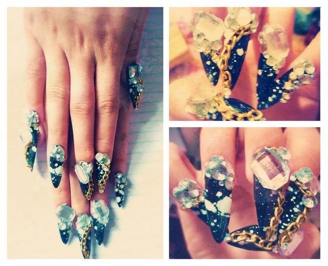 uñas decoradas piedras bonito preciosa moderno