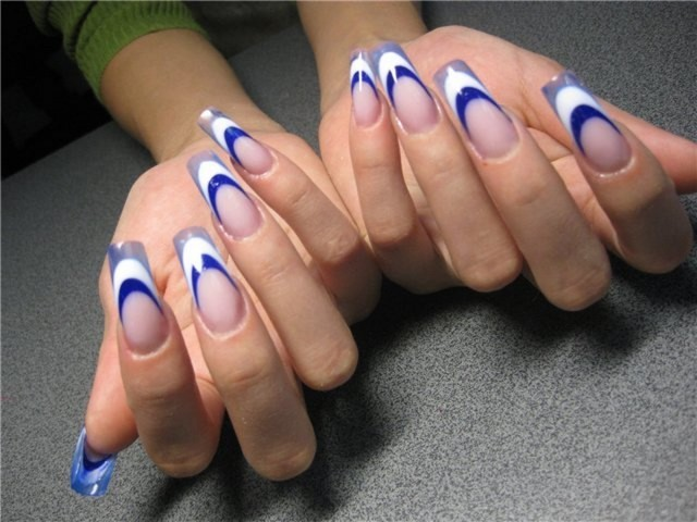 uñas largas decoradas azul blanco bonitas ideas