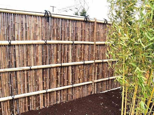 vallas de madera plantas mantillo bambu