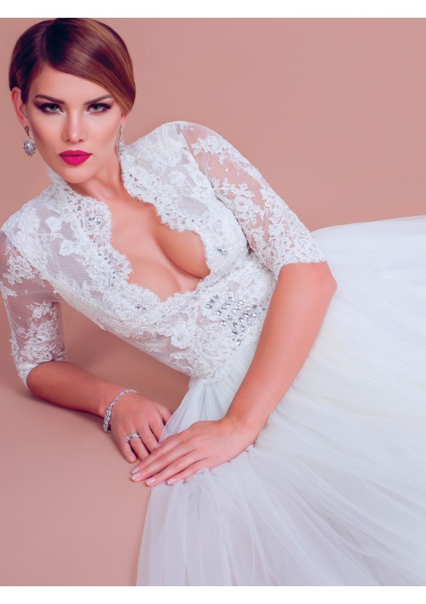 vestido de novia escote piedras preciosas Rebecca
