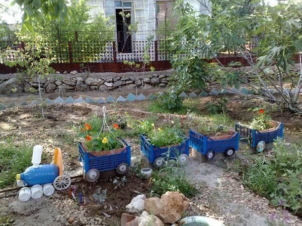 Manualidades originales ideas diy para tu hogar for Bordillos de plastico para jardin