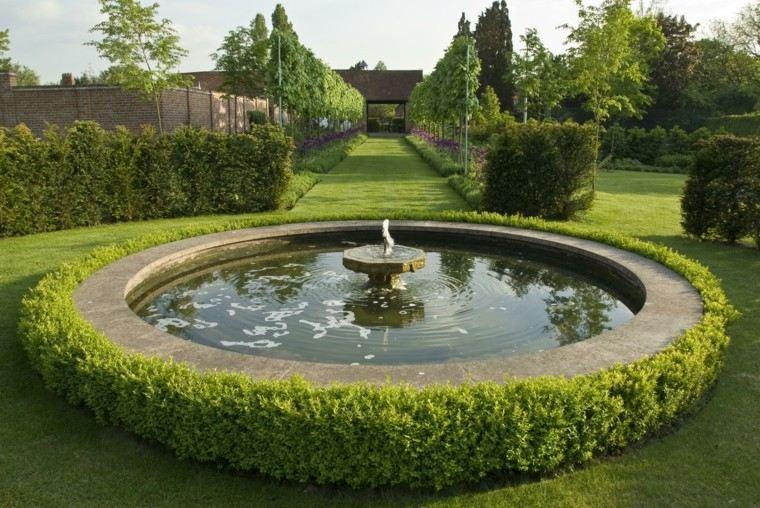 Ian Smith ideas jardin grande cesped arbustos fuente moderno