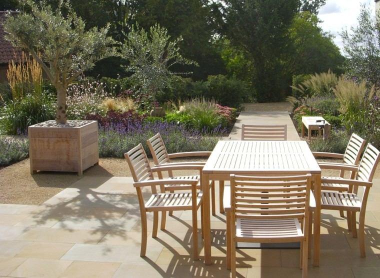 Sue Townsend jardin diseno epacio comer macetas grandes madera ideas