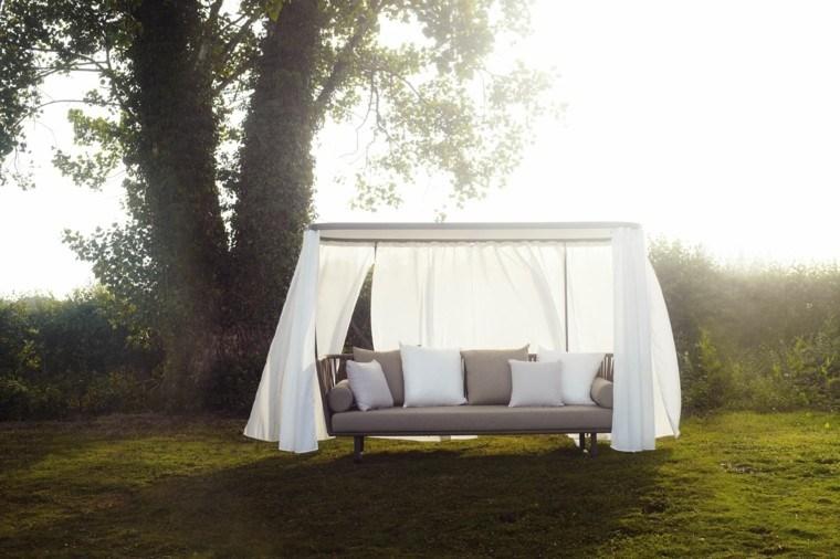 arbol sofa cortinas elegante cubierto