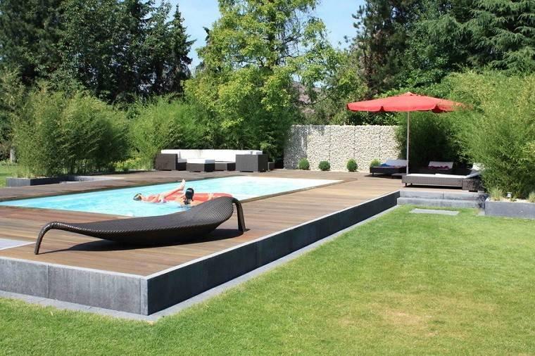 arquitectura jardin plataforma madera piscina