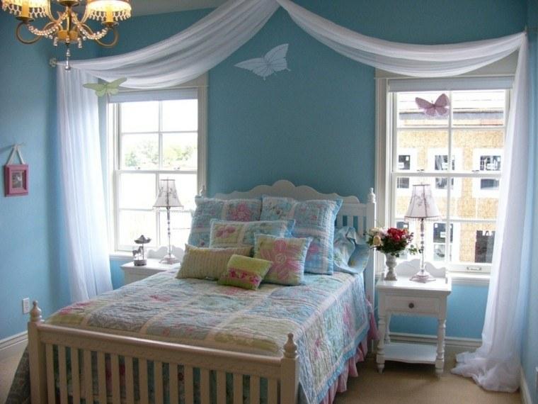 azul cortina madera cojines mariposas