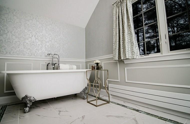baño simple bañera clasica blanca
