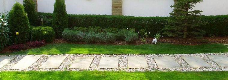 camino piedras baldosas jardin