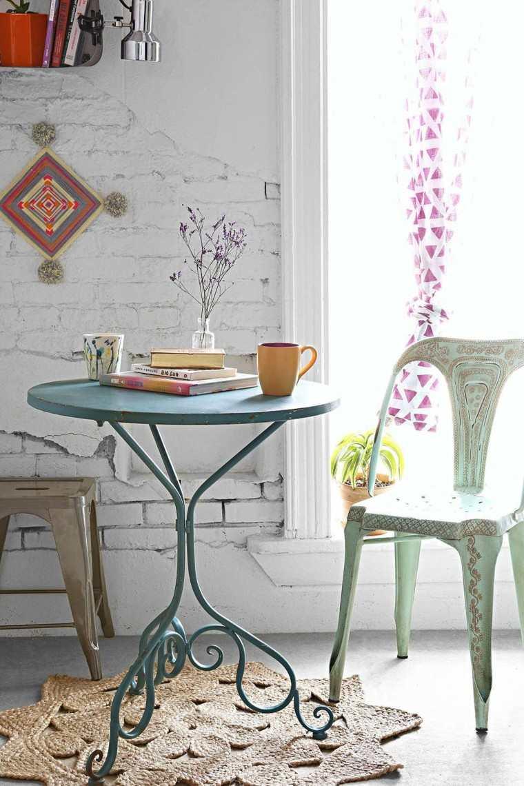 boho chic mesa cafe alta acero pared baldosas blancas
