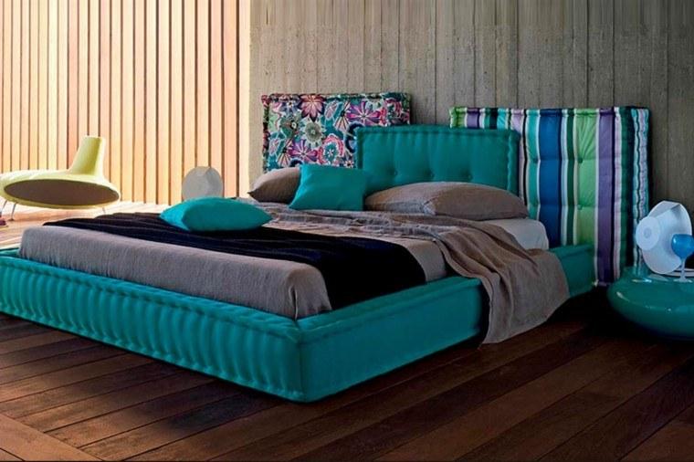 bonita cama color verde agua