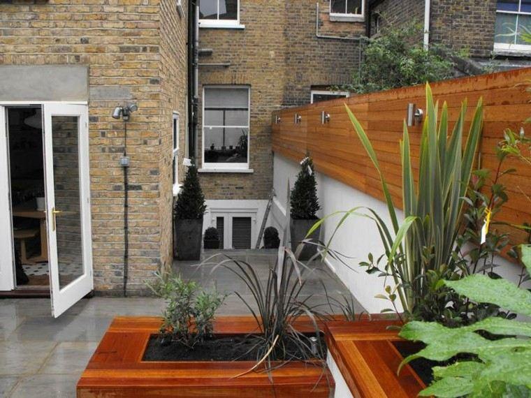 Jardines peque os y patios traseros de dise o nico for Jardines interiores pequenos minimalistas