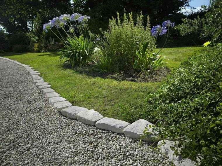 borde piedras blancas grava jardín