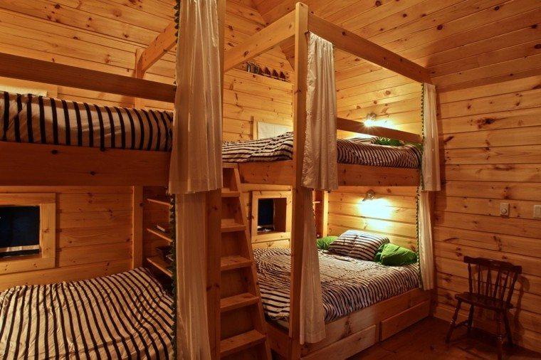 cabaña madera cuatro literas silla