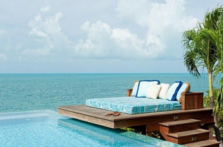 cama piscina vistas mar plataforma