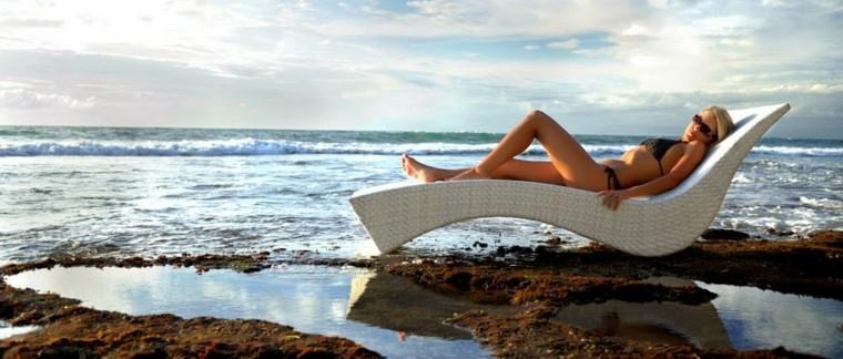 cama tumbona mimbre blanco playa