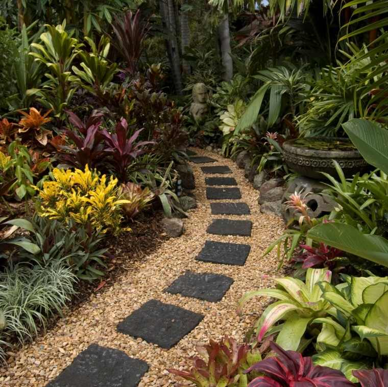 camino grava plantas rocas jardines
