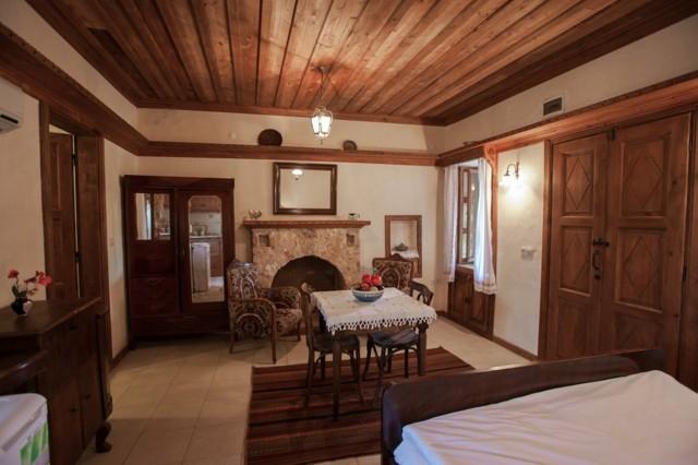 casa campo techo madera marron diseño increible