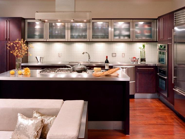 como diseñar una cocina armarios pared acero isla grande ideas