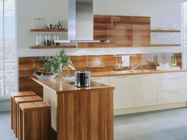 cocina blanca laminado madera isla