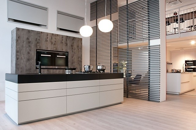 cocina electrodomesticos escondidos amplia moderna bonita