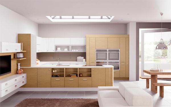 cocina espaciosa color blanca beige