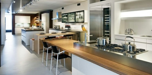 cocina espaciosa moderna estilo minimalista