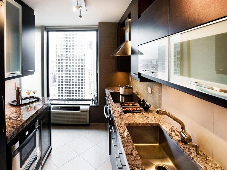 cocina pequena estrecha muebles marmol encimeras ideas