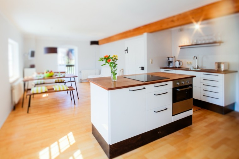 Cocinas pr cticas funcionales y originales consejos - Isla para cocinas pequenas ...