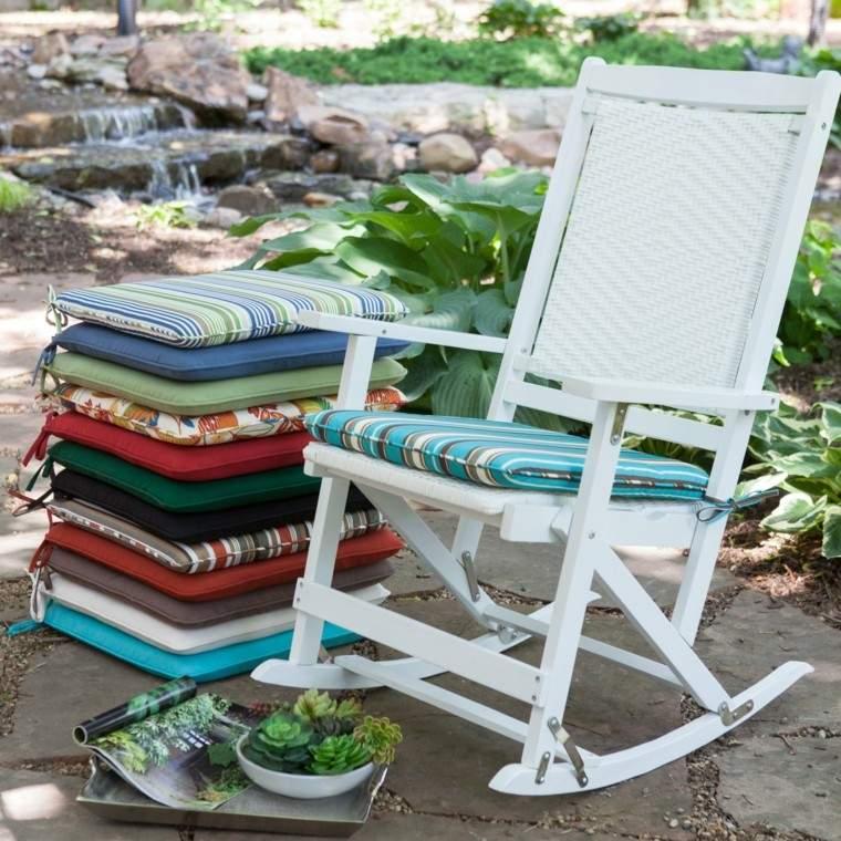 Cojines y almohadones esponjosos para el jard n - Cojines para sofas de jardin ...