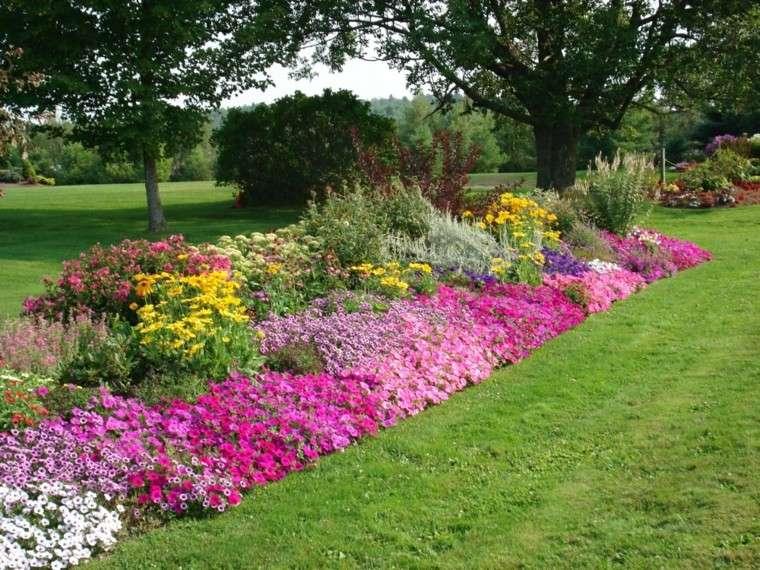 colores y diseño de jardines rosado flores cesped