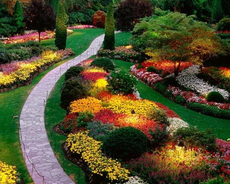 como diseñar un jardin colorido camino curvado