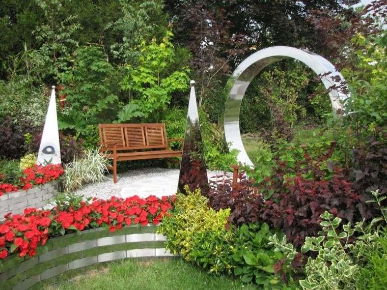 como diseñar un jardin esculturas acero moderno