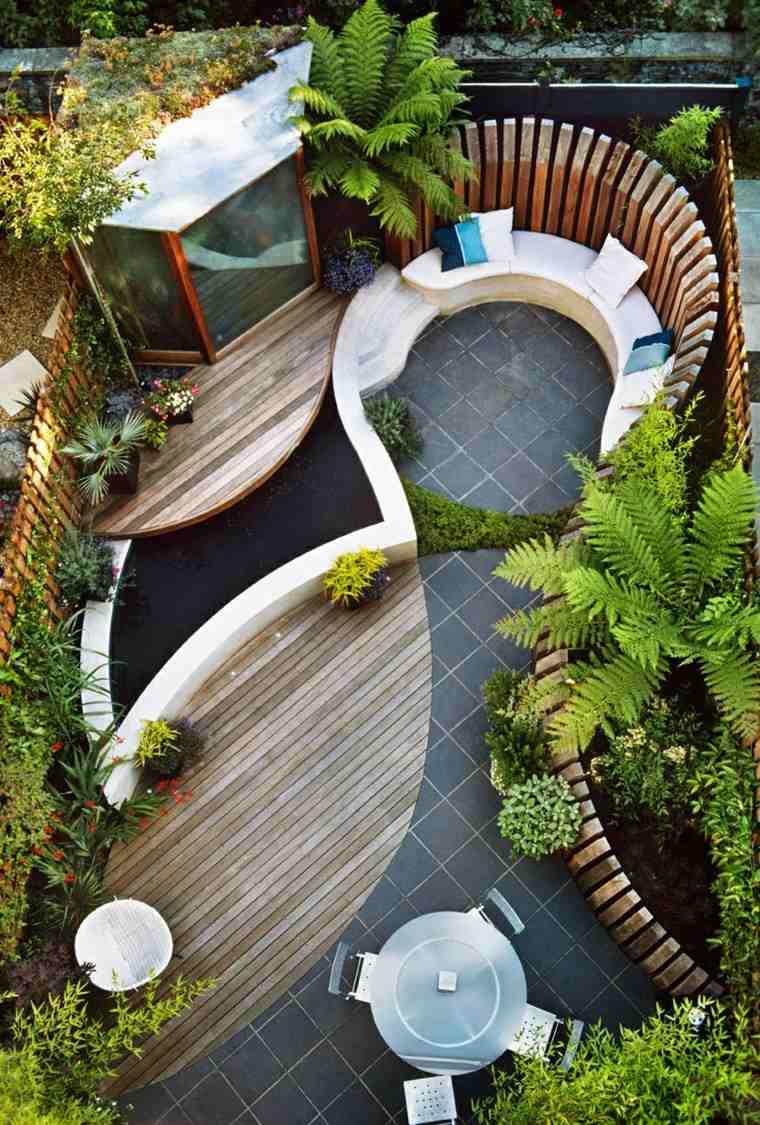 como diseñar un jardin muro madera mesa